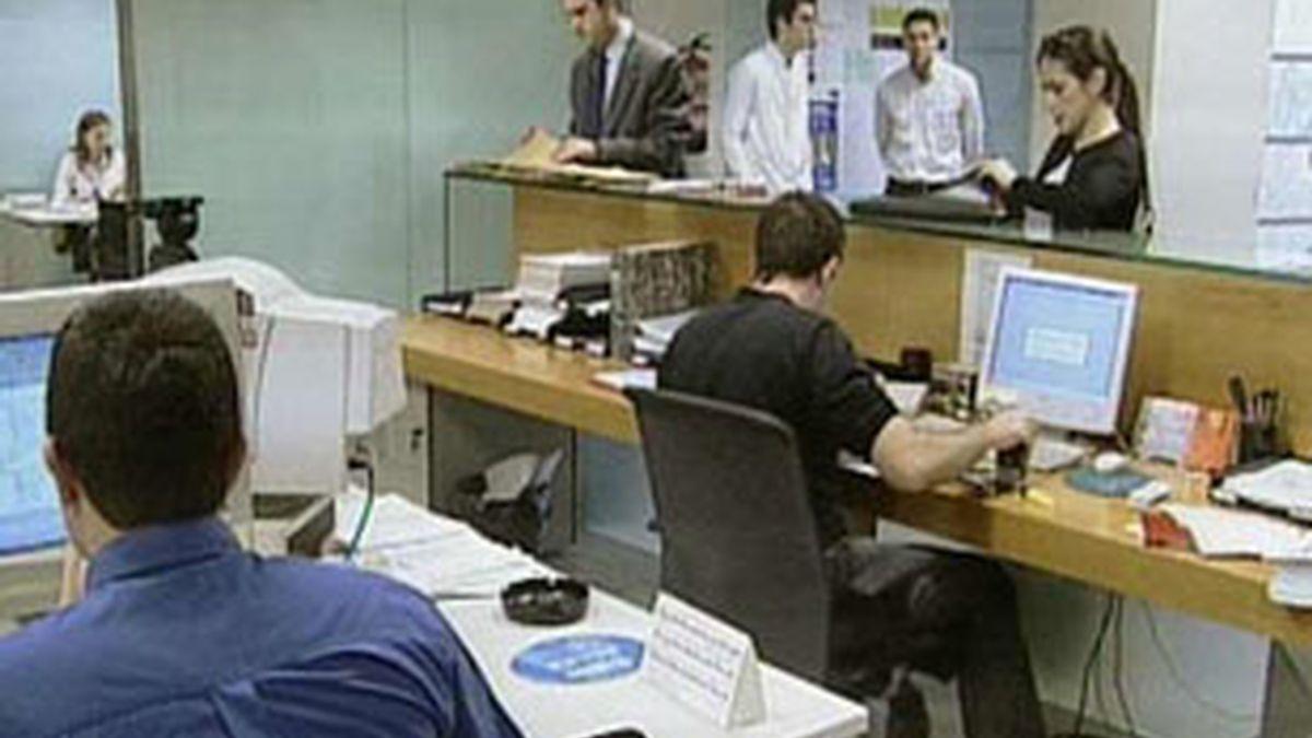 El desempleo entre los jóvenes supera el 40 % en España. FOTO: EFE / Archivo