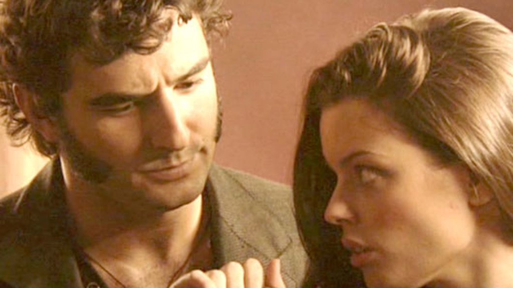¡Isabel y Aníbal se besan!