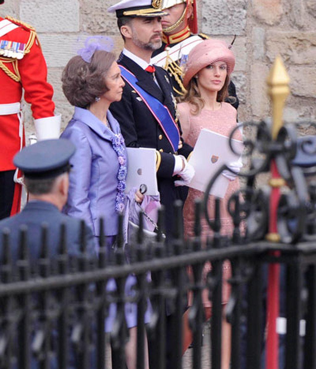 Los Príncipes de Asturias y la Reina Sofía, a la salida de la abadía de Westminster