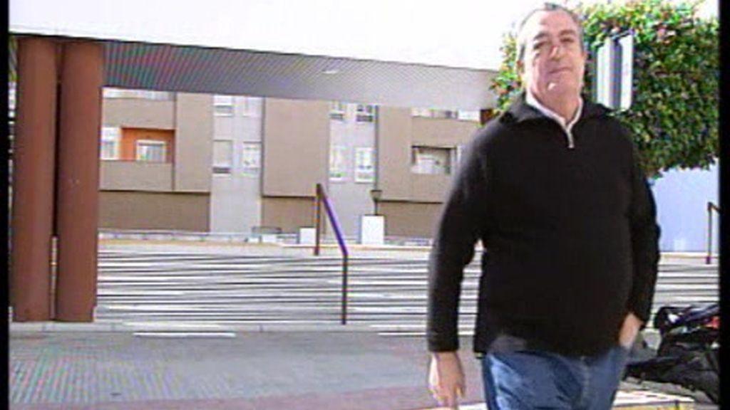 """""""Menos iglesias y más servicios"""""""