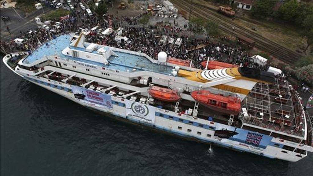 """Fotografía tomada el pasado 25 de mayo del barco """"Mavi Marmara"""" zarpando del puerto de Estambul (Turquía) como parte de la """"Flotilla de la Libertad"""" con rumbo a Gaza. EFE"""