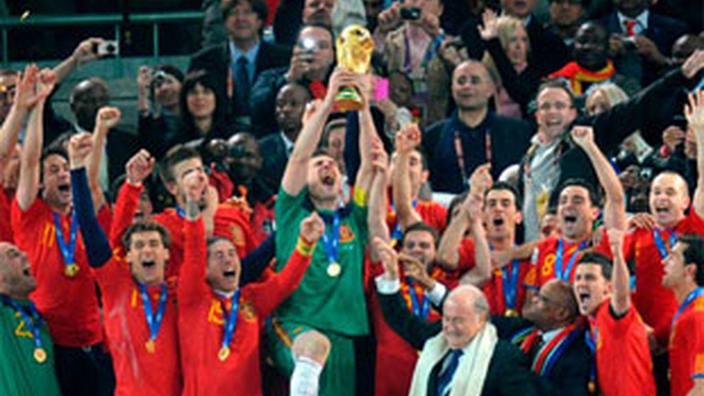 El 90% de los españoles asegura haberse sentido más feliz tras el Mundial. Vídeo: Informativos Telecinco.
