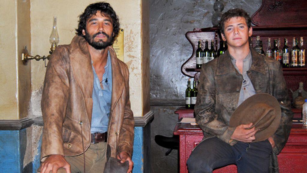 Protagonistas de 'Tierra de lobos'
