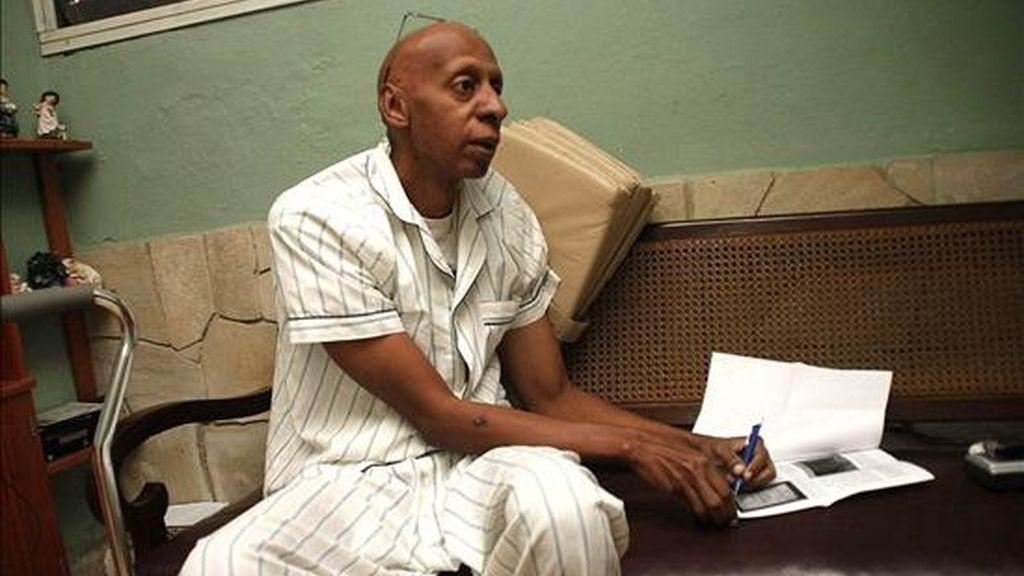 El informe de la CCDHRN se refiere también al caso del disidente Guillermo Fariñas, en huelga de hambre y sed desde hace más de cuatro meses para exigir la libertad de los presos políticos enfermos y cuyo estado de salud es crítico. EFE/Archivo