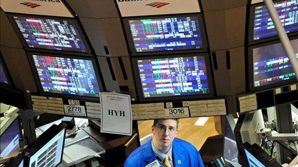 El mercado mostró una tímida tendencia al alza durante gran parte de la sesión pero, a medida que se acercaba el cierre, se aceleró la venta de valores y Bank of America, Kraft Foods y Disney se situaron a la cabeza del descenso. EFE/Archivo