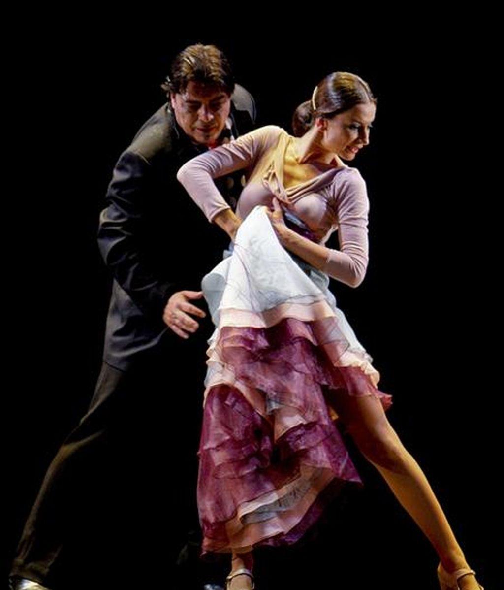 Los bailaores Cecilia Gómez y Antonio Canales durante una actuación. EFE/Archivo