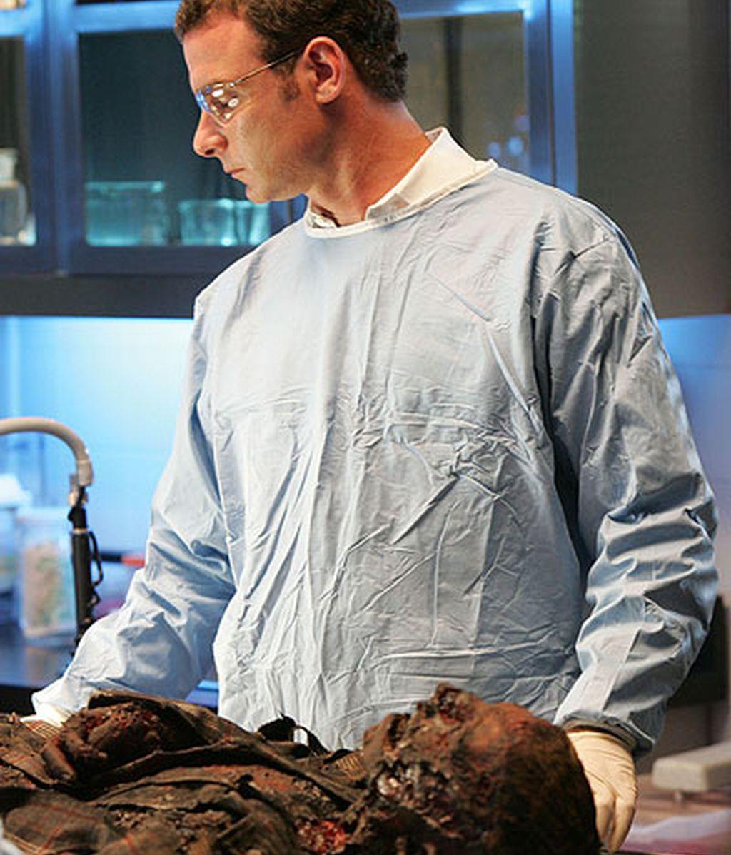 Keppler analiza el cuerpo carbonizado de un ex-presidiario