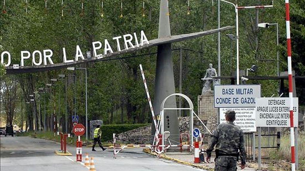 Entrada a la Base Conde de Gazola en el Ferral del Bernesga (León). EFE