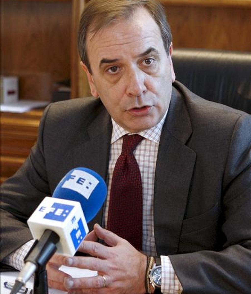 El portavoz del grupo socialista del Congreso, José Antonio Alonso en una entrevista con Efe. EFE/Archivo