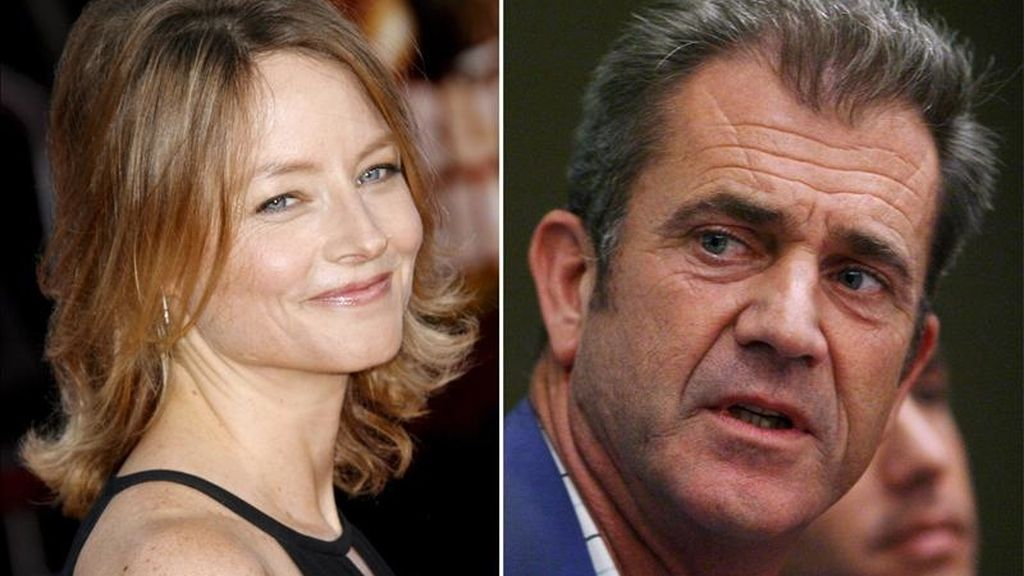 """Combo de fotografías que muestran a la actriz y directora estadounidense Jodie Foster y al actor estadounidense Mel Gibson a quien Foster dirige en la película """"El castor"""". EFE/Archivo"""