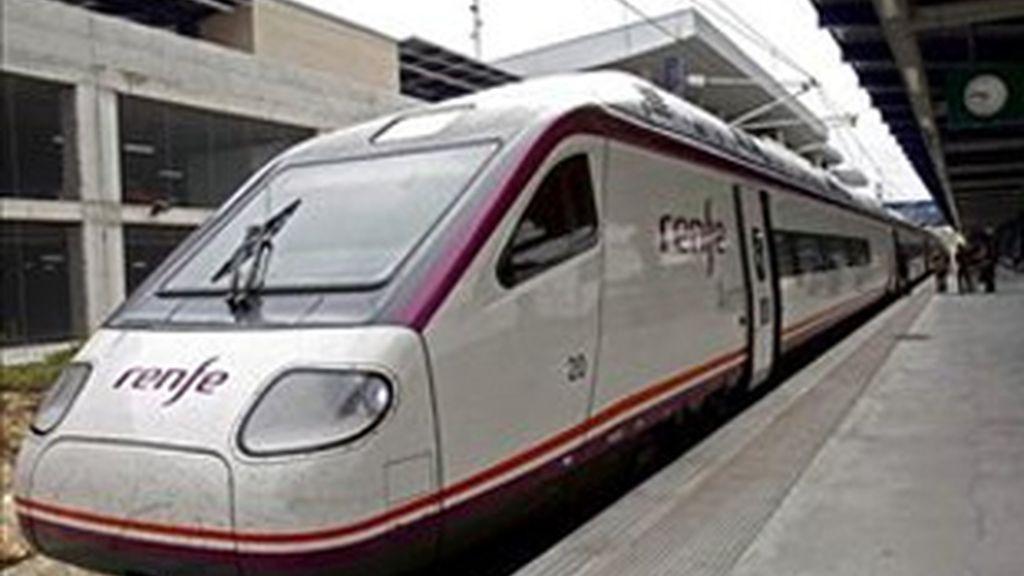 En 2012 Renfe se va a ver abierta a la competencia con empresas privadas. Foto: EFE