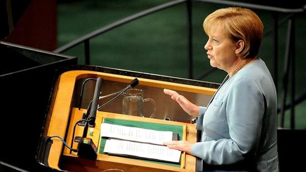 La canciller alemana Ángela Merkel, se dirige a los asistentes a la cumbre de la ONU sobre los Objetivos de Desarrollo del Milenio (ODM) en Nueva York, Estados Unidos, ayer el 21 de septiembre de 2010. EFE