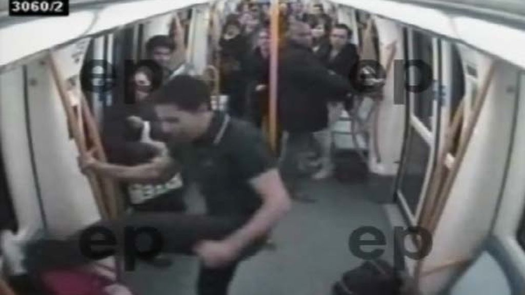 Brutal paliza en el metro de Madrid