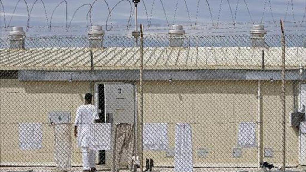Según HRW, cerca de cien de los 239 presos detenidos en Guantánamo son yemeníes y de ellos prácticamente la mayoría está libre de cargos. EFE/Archivo