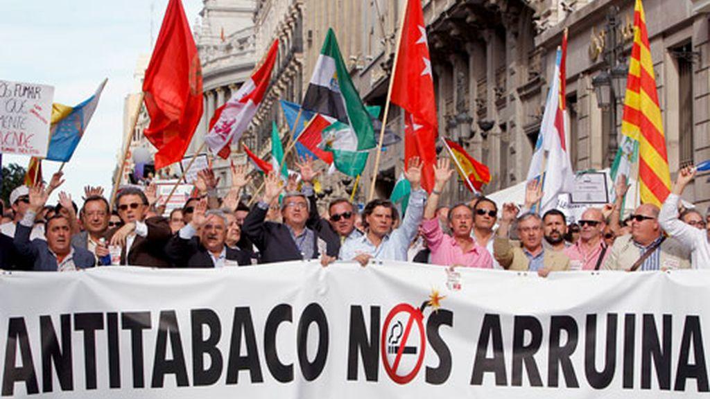 La manifestación fue convocada por la 'Plataforma Libertad si Humo'. Vídeo: Informativos Telecinco.