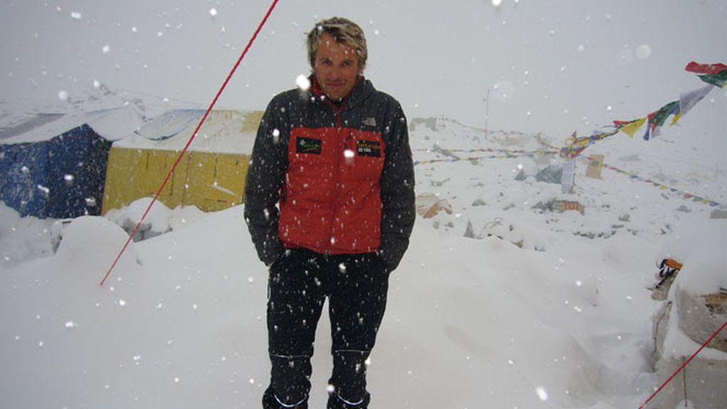 Nevada en el campo base durante la ascensión al Lhotse