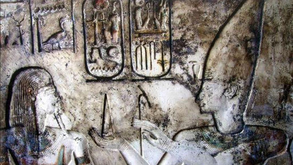 Imagen de uno de los cuatro templos faraónicos amurallados descubiertos por arqueólogos egipcios en la península del Sinaí, que datan del Imperio Nuevo (1539-1075 a.C) y del Primer Periodo Intermedio (2125-1975 a.C). Uno de los templos encontrados es el mayor hallado en el Sinaí hasta el momento, fue construido con piedra caliza y mide 80 metros por 70. EFE