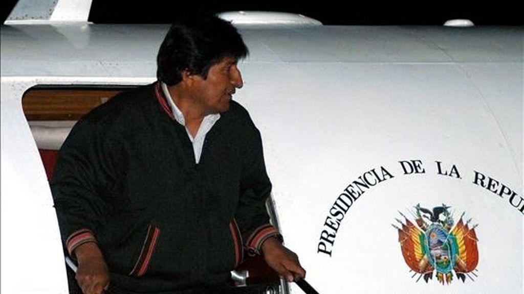 Evo Morales, viajará a Rusia el próximo 16 de febrero para firmar acuerdos energéticos que permitan a la estatal rusa Gazprom iniciar inversiones en el país andino con 3.000 millones de dólares. EFE/Archivo