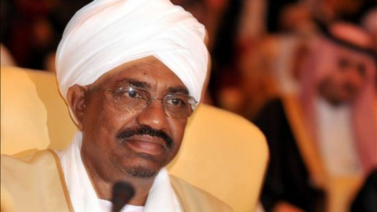 """La CPI acusa al presidente de Sudán, Omar al Bachir, de ordenar una """"campaña criminal"""" contra los habitantes de Darfur. EFE/Archivo"""