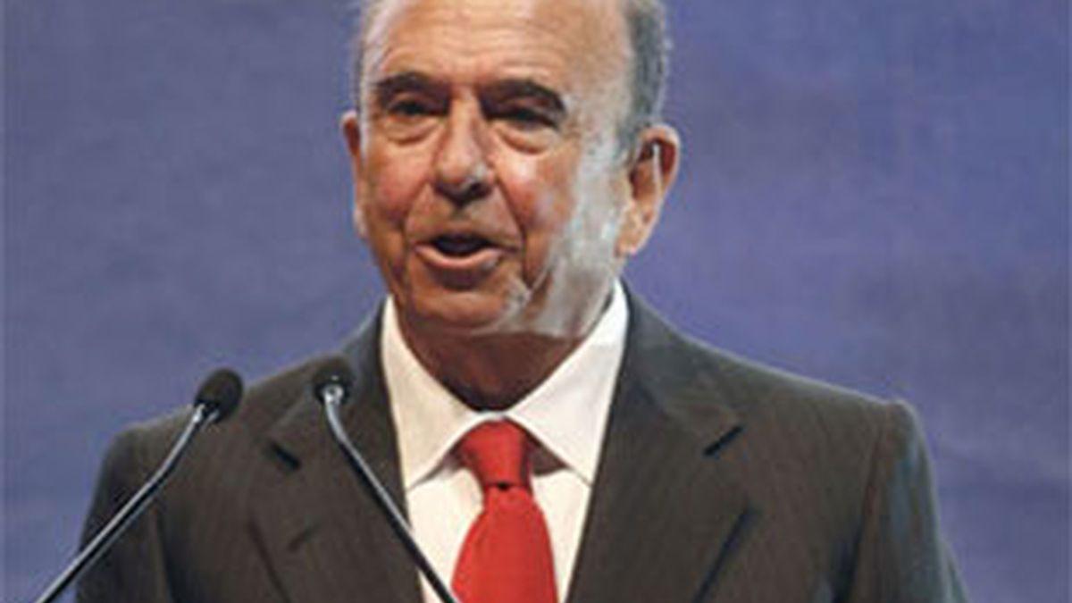 El presidente del Santander, Emilio Botín, explicará los supuestos cobros. Video: Informativos Telecinco