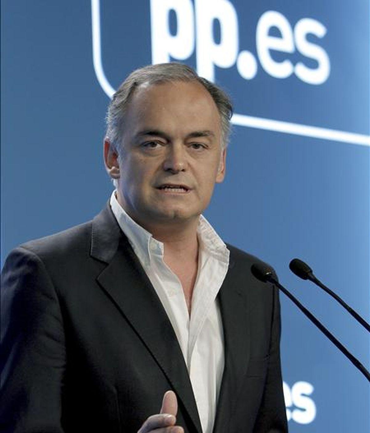 El vicesecretario de Comunicación del PP, Esteban González Pons, durante la rueda de prensa que ha ofrecido hoy en Madrid. EFE