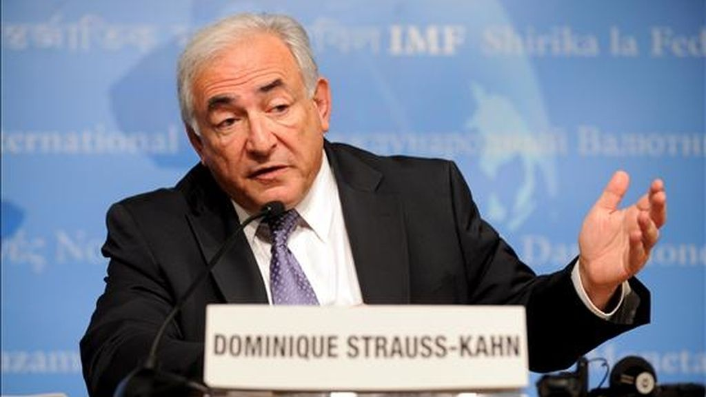 El director gerente del FMI, Dominique Strauss-Kahn, consideró este jueves que la crisis financiera está lejos de acabar. EFE