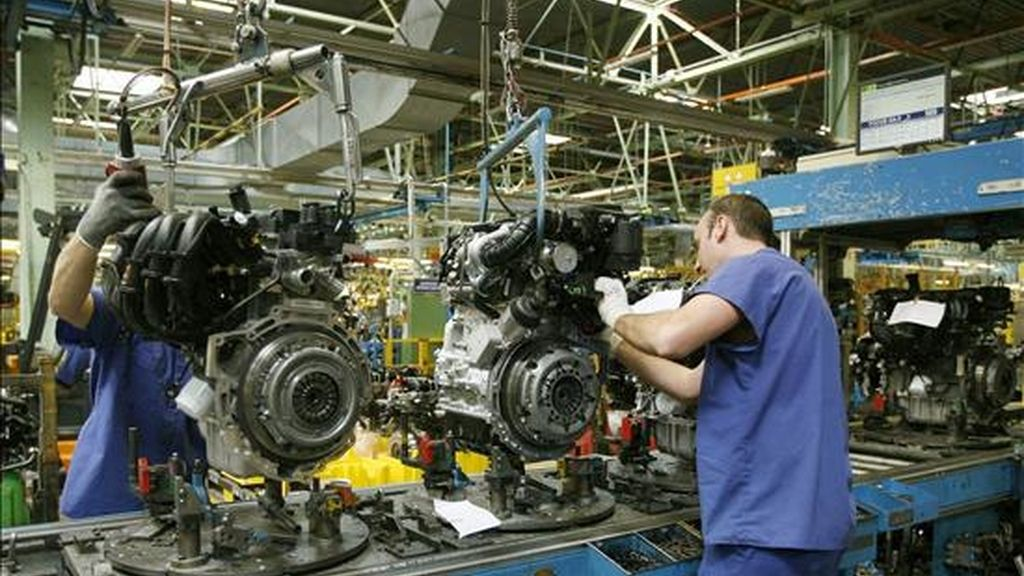 En la imagen, una cadena de montaje de la factoria de Ford en Almussafes (Valencia). EFE/Archivo