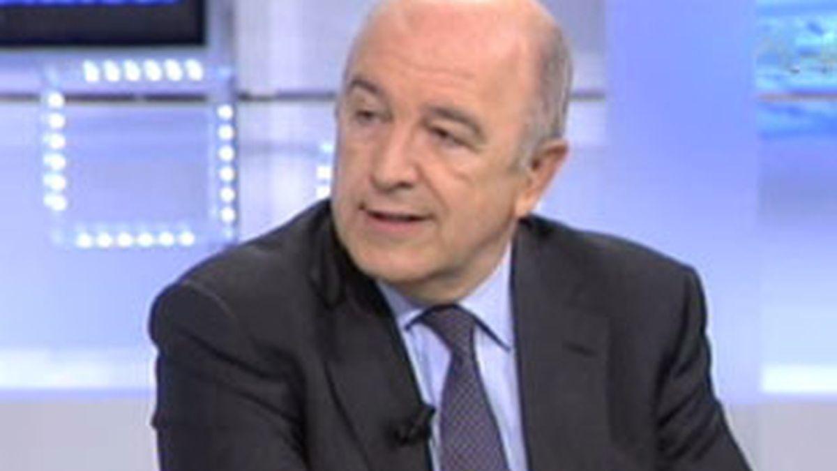 El Comisario de Asuntos Económicos de la Unión Europea, Joaquín Almunia, en el Informativo Matinal. Vídeo: Informativos Telecinco.