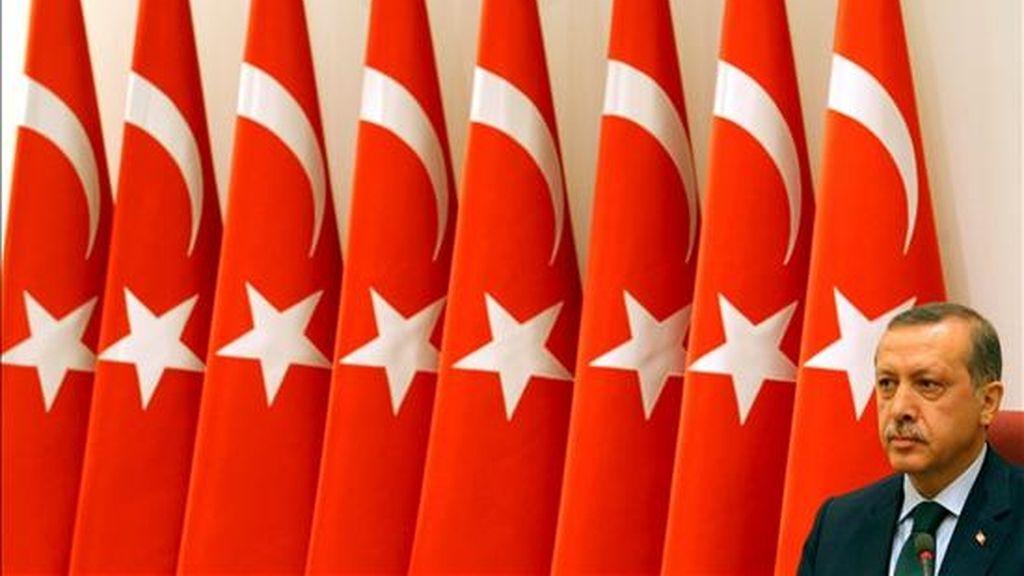 El primer ministro turco, Recep Tayyip Erdogan, el domingo, en la reunión del Consejo Supremo Militar (YAS) de Turquía, para decidir nuevos nombramientos en el mando del Ejército, en Ankara (Turquía). EFE