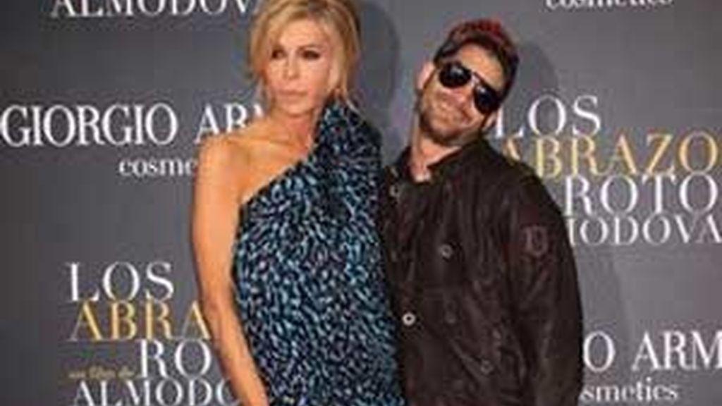 Asdrúbal, conocido por su participación en distintos programas de  televisión, es ex compañero sentimental de la actriz Bibiana Fernández.