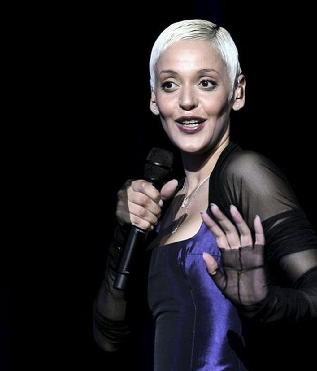 La cantante portuguesa Mariza, durante el concierto ofrecido esta noche en el Escenario Puerta del Ángel, en Madrid, dentro de la programación de los Veranos de la Villa. EFE
