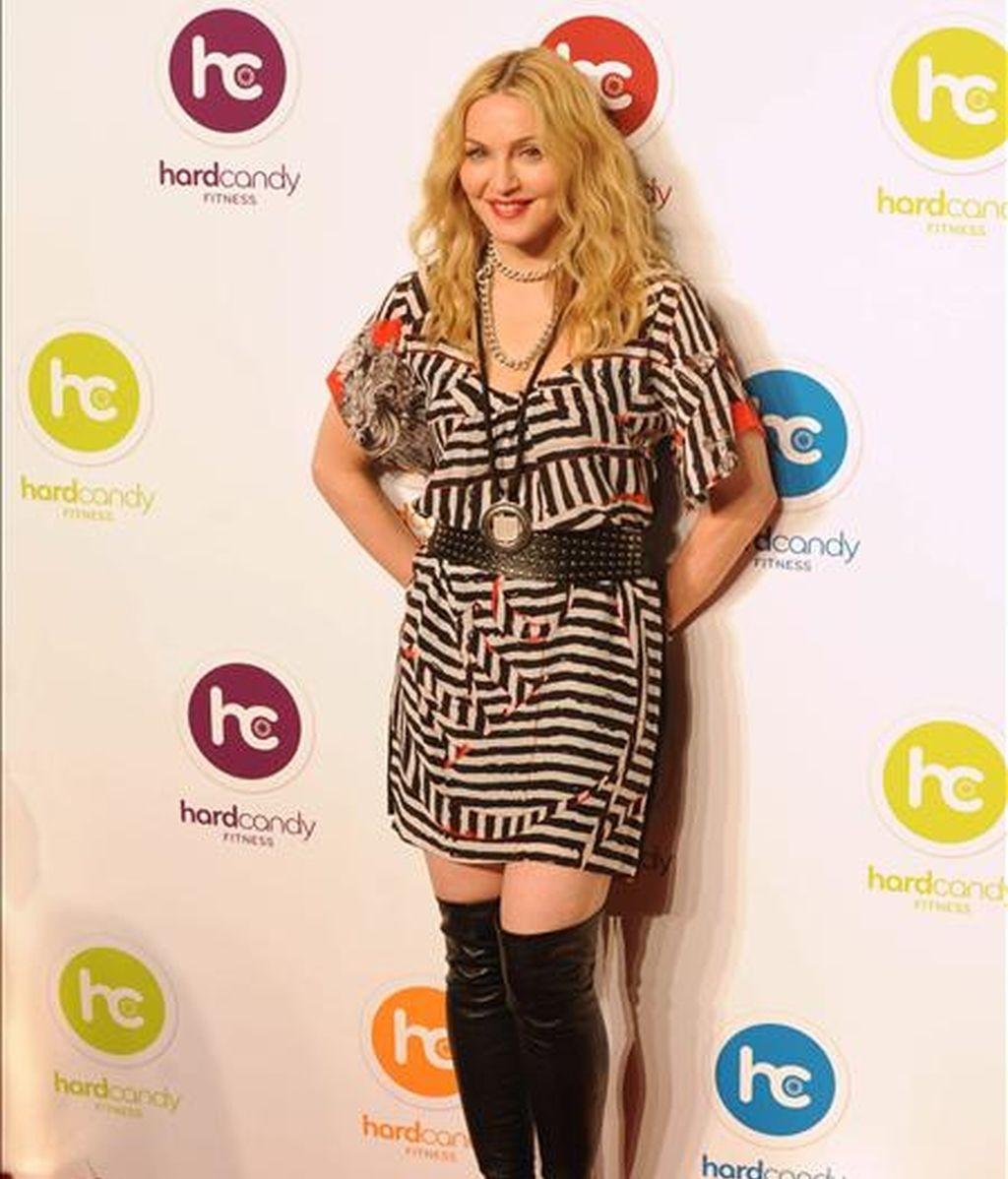 La cantante estadounidense Madonna llega a la inauguración, en un barrio exclusivo de Ciudad de México (México), del primero de diez gimnasios en el mundo de su cadena Hard Candy Fitness. EFE