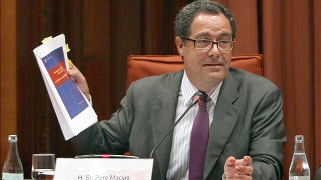 El ex conseller de Política Territorial en el gobierno de CiU, Pere Macias, durante su comparecencia ante la comisión de investigación del Parlament de Cataluña sobre las irregularidades en el Palau de la Música. EFE