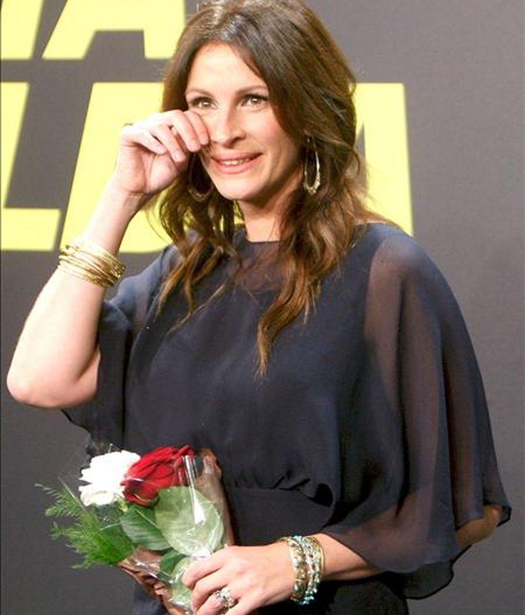 La actriz estadounidense Julia Roberts momentos antes de recoger, el pasado lunes,  el premio Donostia 2010, en reconocimiento a su carrera, durante la 58 edición del Festival Internacional de Cine de San Sebastián. EFE