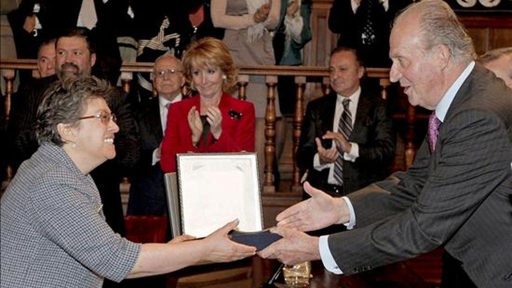 El Rey don Juan Carlos entregó hoy el Premio de Derechos Humanos Rey de España 2008 a la coordinadora regional del Comité de América Latina y el Caribe para la Defensa de los Derechos de la Mujer (CLADEM), Norma Enríquez, en un acto celebrado en el paraninfo de la Universidad de Alcalá de Henares (Madrid). EFE
