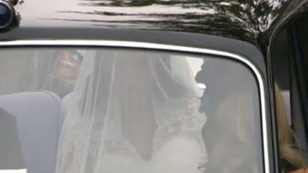 Kate Middleton en el coche que la conduce a Westminster