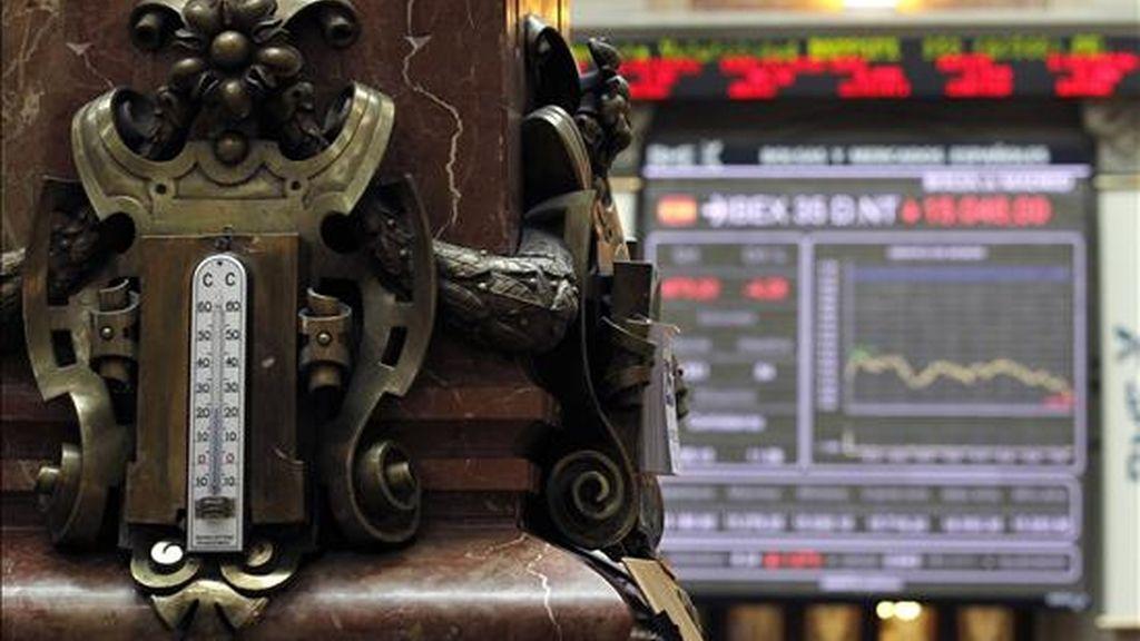Detalle de un termómeto en la Bolsa de Madrid. EFE/Archivo