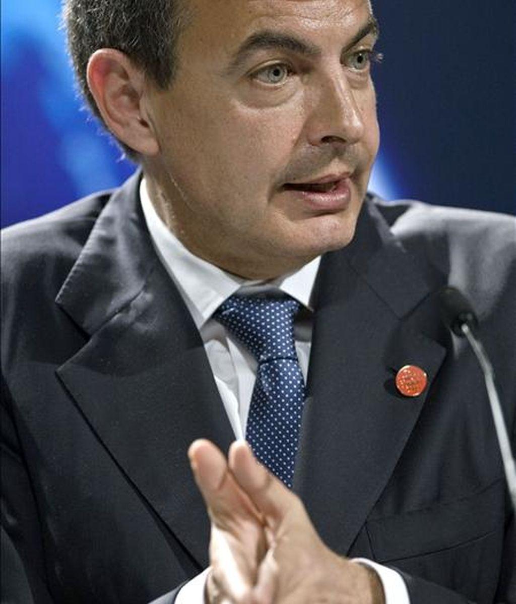 Zapatero se ha encontrado de nuevo con Barack Obama en el concierto del aniversario de la OTAN. Vídeo: Atlas