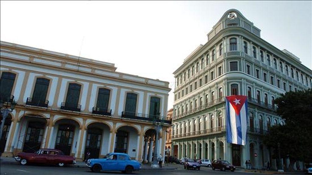 En las calles de La Habana es notorio el descontento con las restricciones en el consumo de energía, la reducción de rutas y frecuencias del transporte público. EFE/Archivo