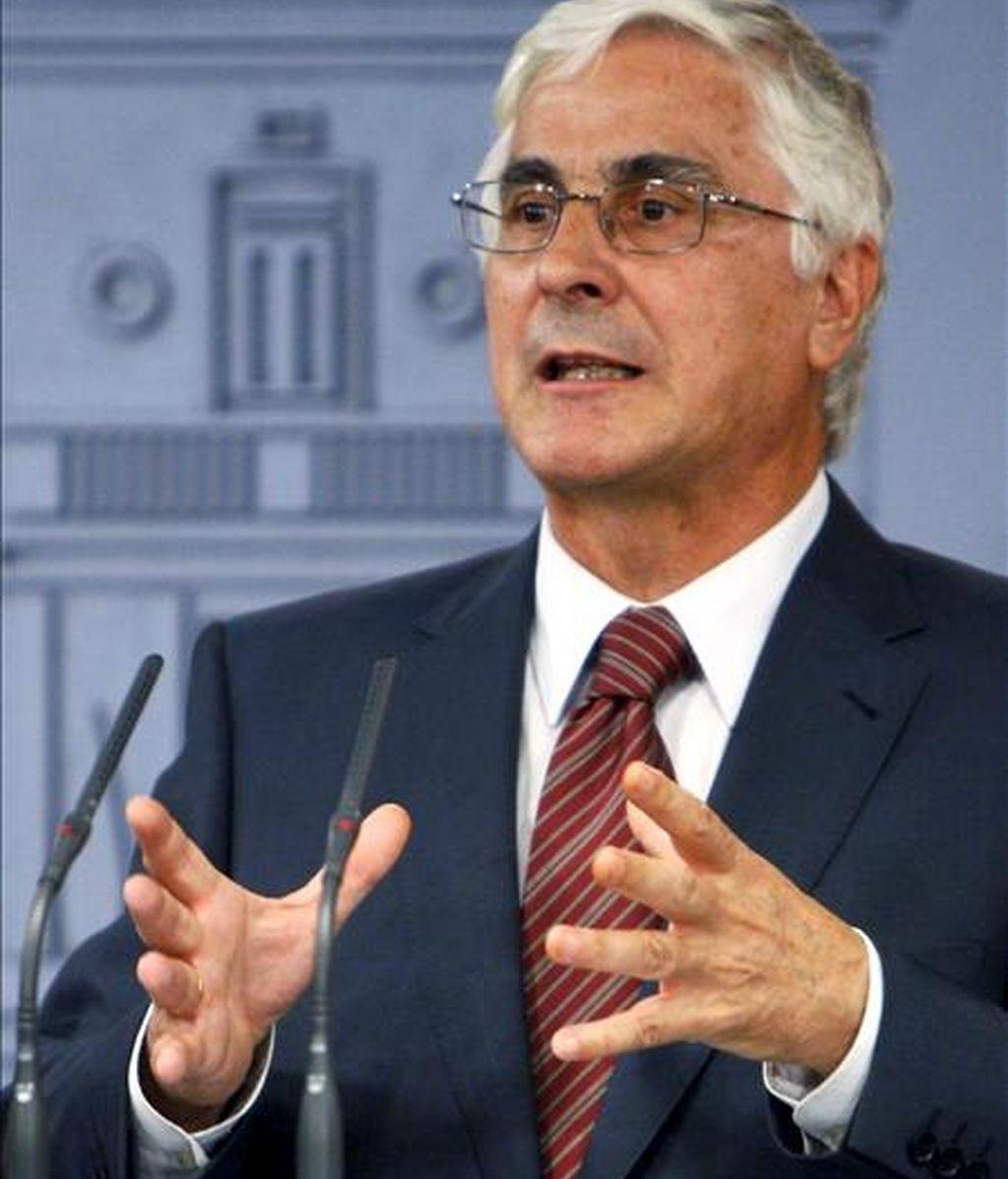 El presidente de Castilla-La Mancha, José María Barreda, durante la rueda de prensa ofrecida en el palacio de la Moncloa, en Madrid. EFE