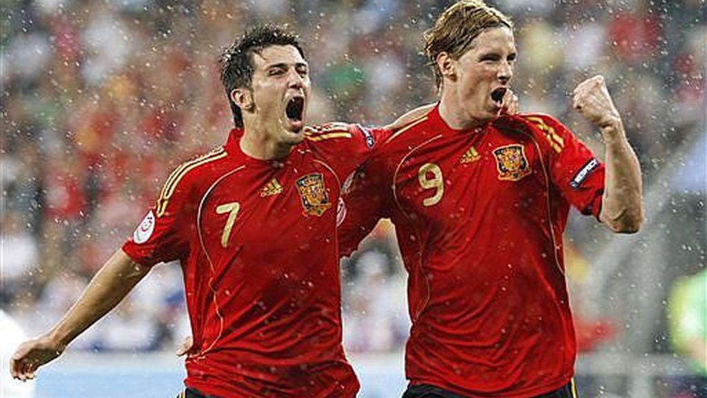 Torres y Villa, celebrando el primer gol. Foto: AP