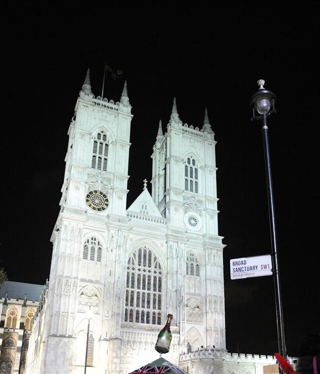 Fachadad de la abadía de Westminster, en la que mañana se celebrará la boda de Guillermo de Inglaterra y Kate Middelton. EFE/Archivo