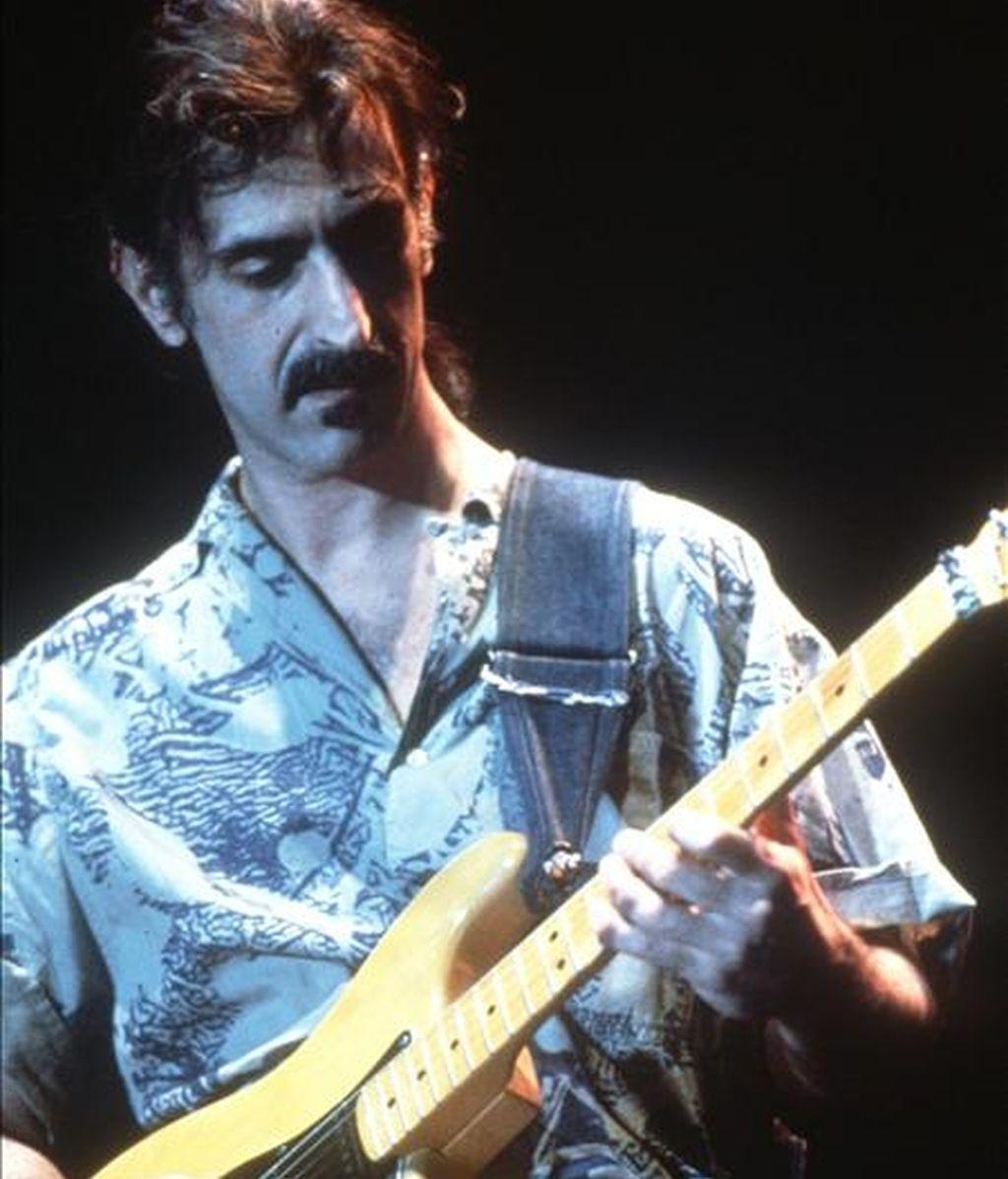 Fotografía del guitarrista, cantante y productor Frank Zappa. EFE/Archivo