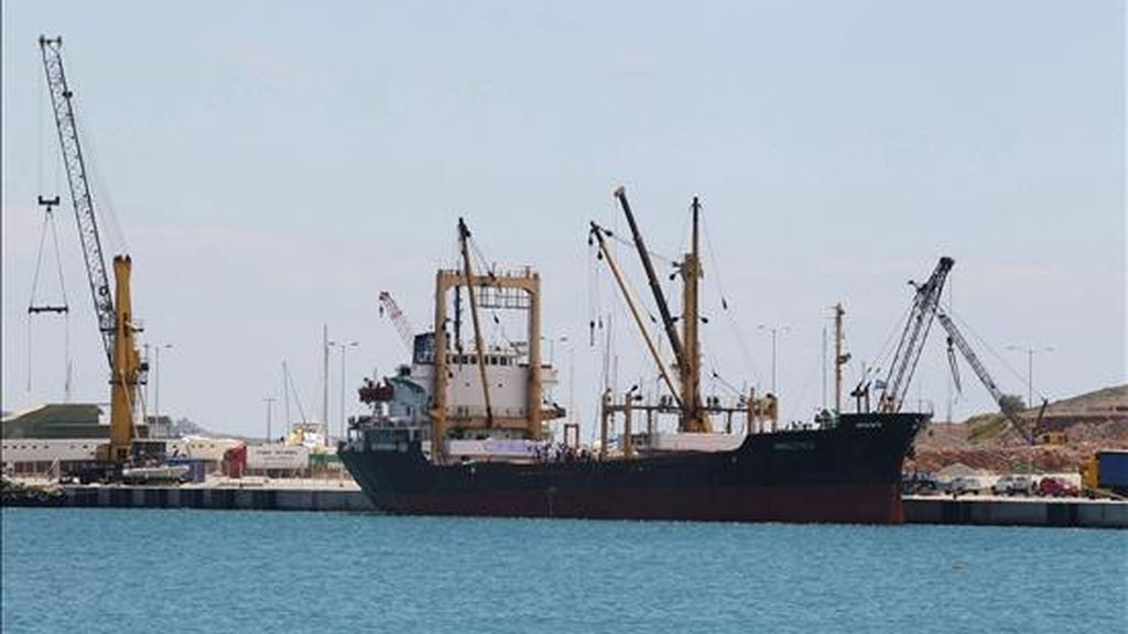 """Imagen de archivo tomada el 9 de julio de 2010 del barco con ayuda libia para Gaza """"Al-Amal"""". EFE"""