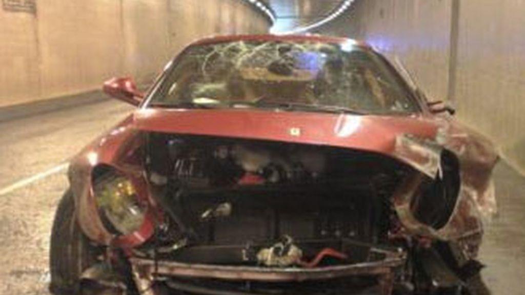 Estado en el que quedó el Ferrari de Cristiano Ronaldo tras el accidente ocurrido en enero pasado. Foto archivo