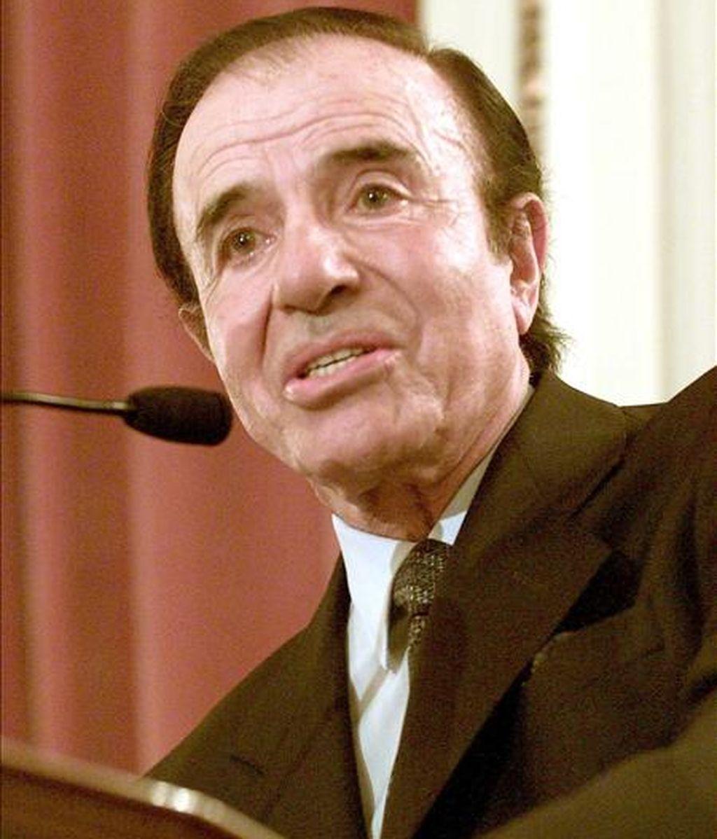 En la imagen el ex presidente y candidato presidencial de Argentina Carlos Menem. EFE/archivo