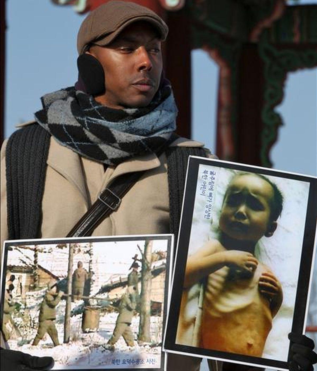 Fotografía de archivo tomada el 12 de enero de 2010 que muestra al activista estadounidense Aijalon Mahli Gomes durante una protesta contra Corea del Norte en la zona desmilitarizada de la provincia surcoreana de Gyeonggi-do. Según informó hoy, 9 de julio de 2010, la agencia oficial norcoreana KCNA, Gomes, que se encuentra bajo custosdia policial en Corea del Norte, intentó quitarse la vida. EFE/Archivo