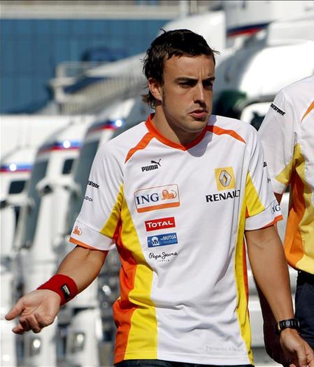 """El piloto español Fernando Alonso reiteró su confianza en el equipo Renault a seis días del Gran Premio de Gran Bretaña pero advirtió que """"hay que ser realistas"""" con respecto a las posibilidades en el presente Mundial de Fórmula uno. EFE/Archivo"""