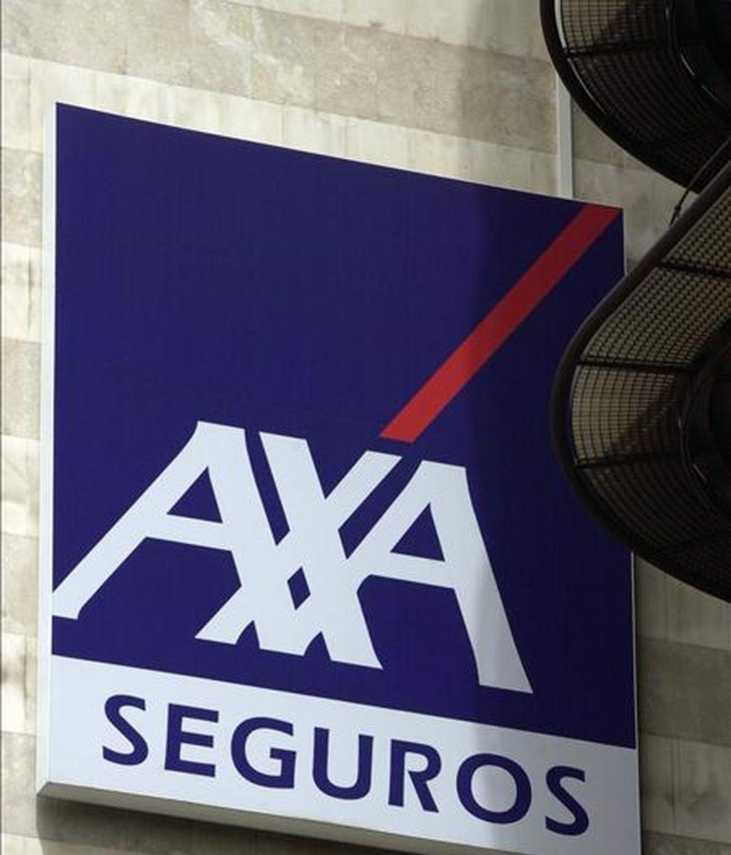 Logotipo de la Compañía de Seguros Axa Seguros, en su sede de Madrid. EFE/Archivo