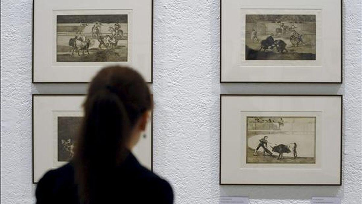 """Cuatro grabados de la serie """"Tauromaquia"""" de Francisco de Goya que junto a casi dos centenares de grabados del pintor pertenecientes a esta serie y a """"Los caprichos"""" y """"Los desasatres de la Guerra"""", se exponen a partir de hoy en Valladolid, y permiten al público adentrarse en la particular interpretación de Españal que este artista realizó en su época (1746-1828). EFE"""